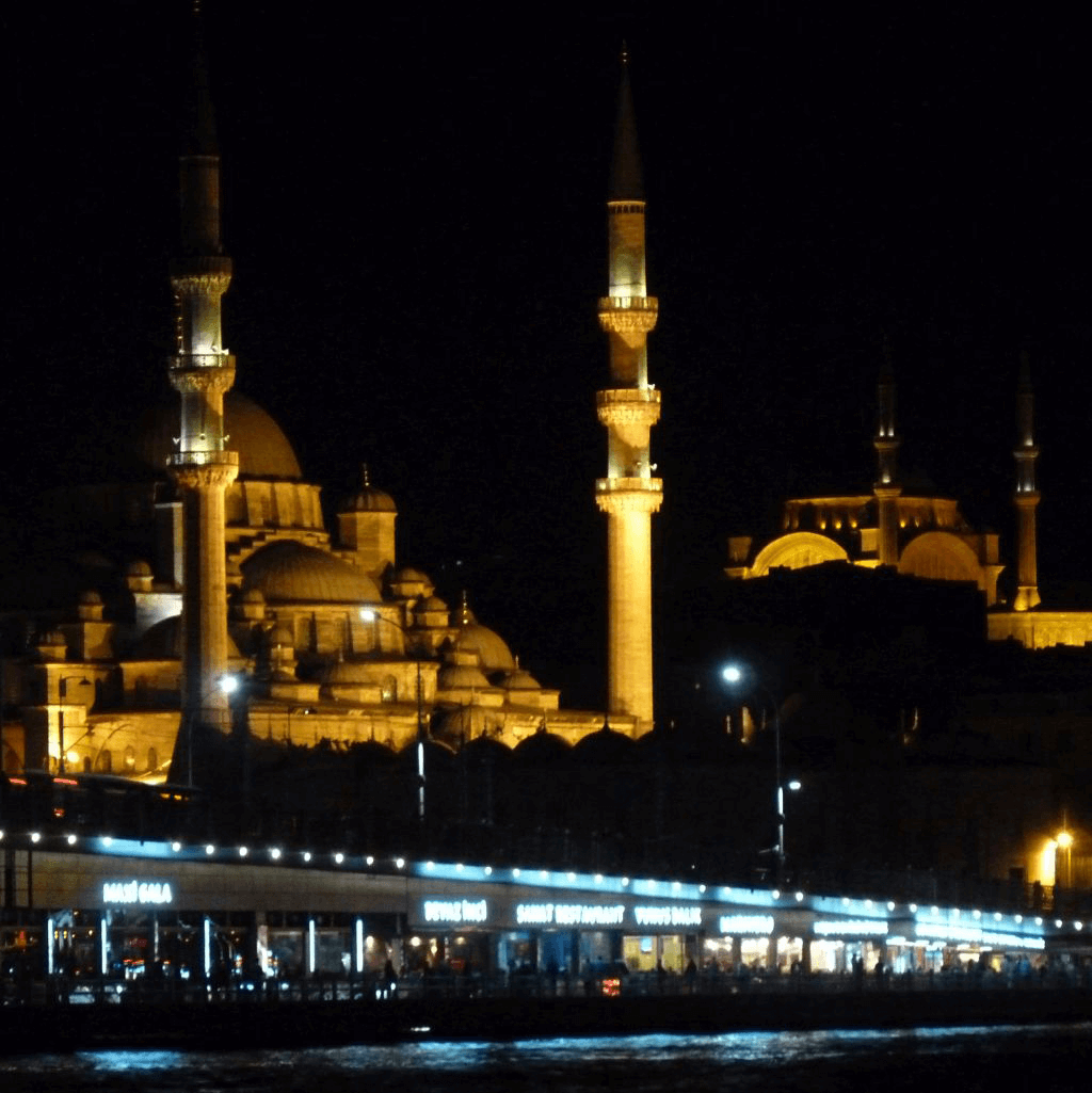 ohfamoos_Istanbul-Reisetips_Neue-Moschee-und-Galatabruecke_small