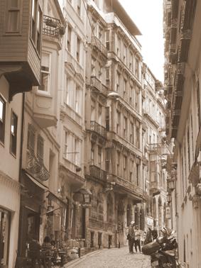 ohfamoos_Istanbul-Reisetips_Strasse-in-Beyoglu_small