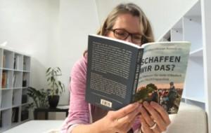 Elke liest Fuhrer_klein