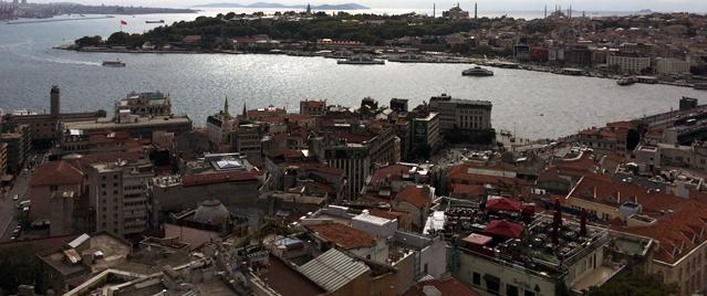 Istanbul_Katakoy2_small