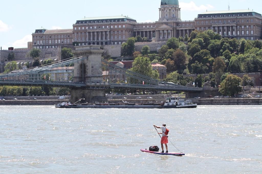 Pascal in Budapest auf dem Wasser