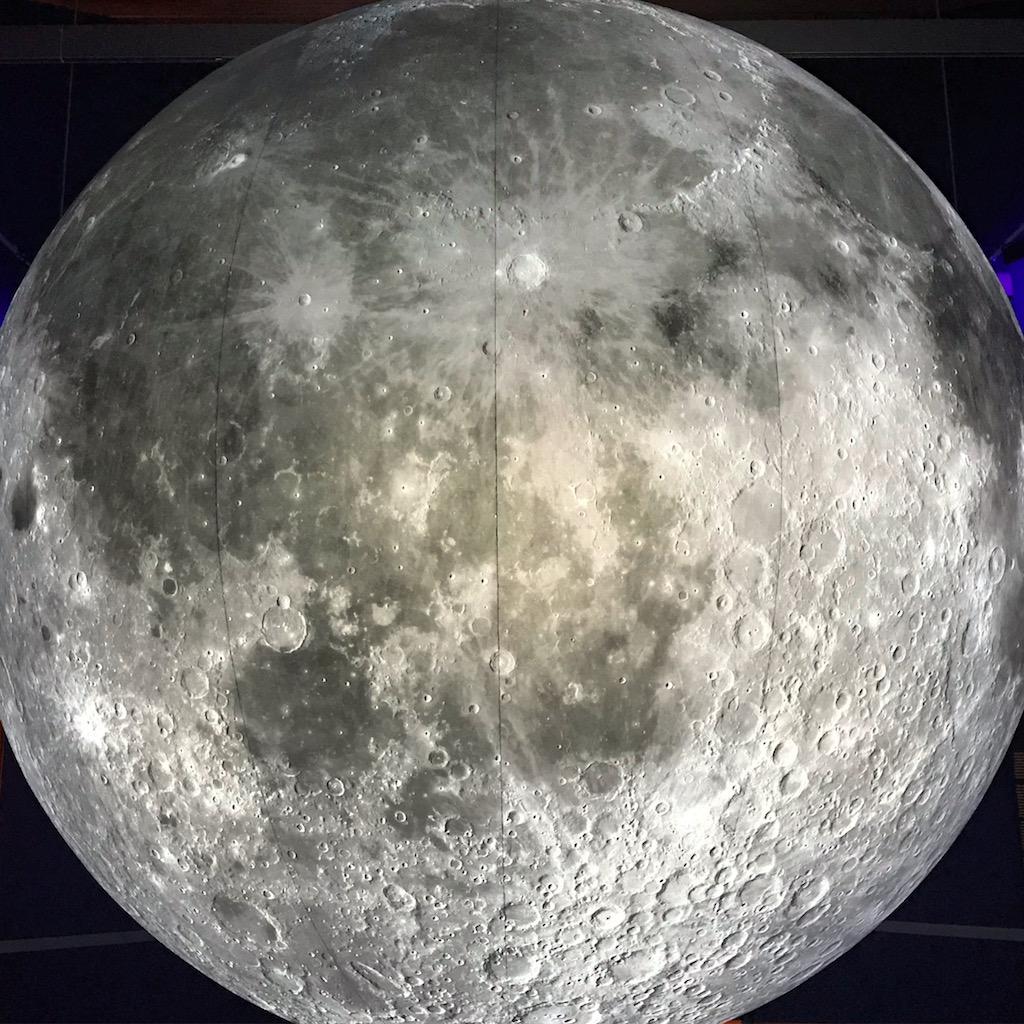 Der Mond in einer Ausstellung im Naturhistorischen Museum in Wien