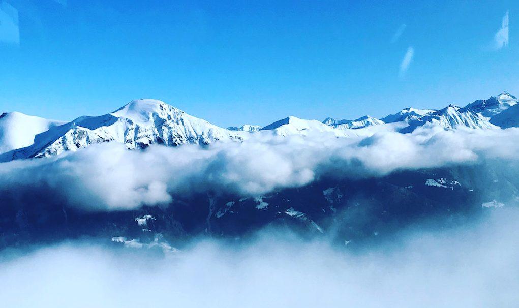 Berge über den Wolken