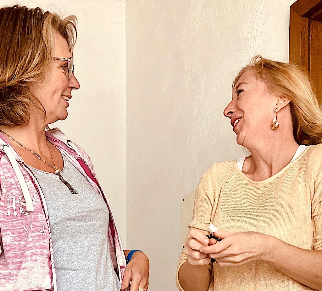 Elke Tonscheidt und Yvonne Haywards