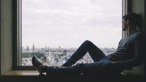 Introvertiert und allein während Corona