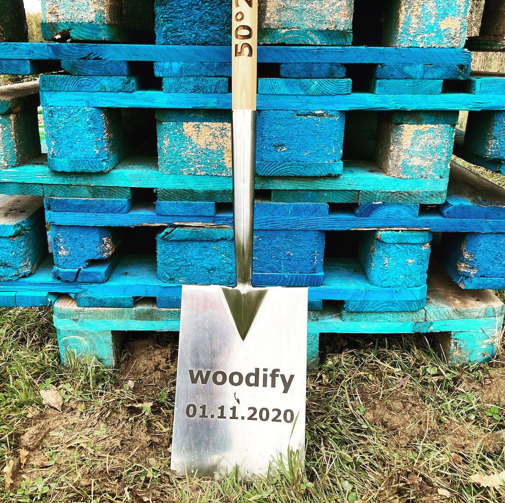 Paletten und Spaten von Woodify