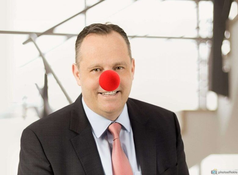 Sven Hansel mit roter Nase